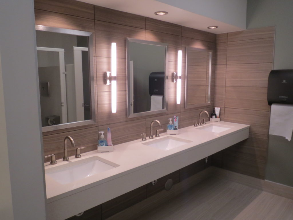Continental Toilet & Breakroom (4)