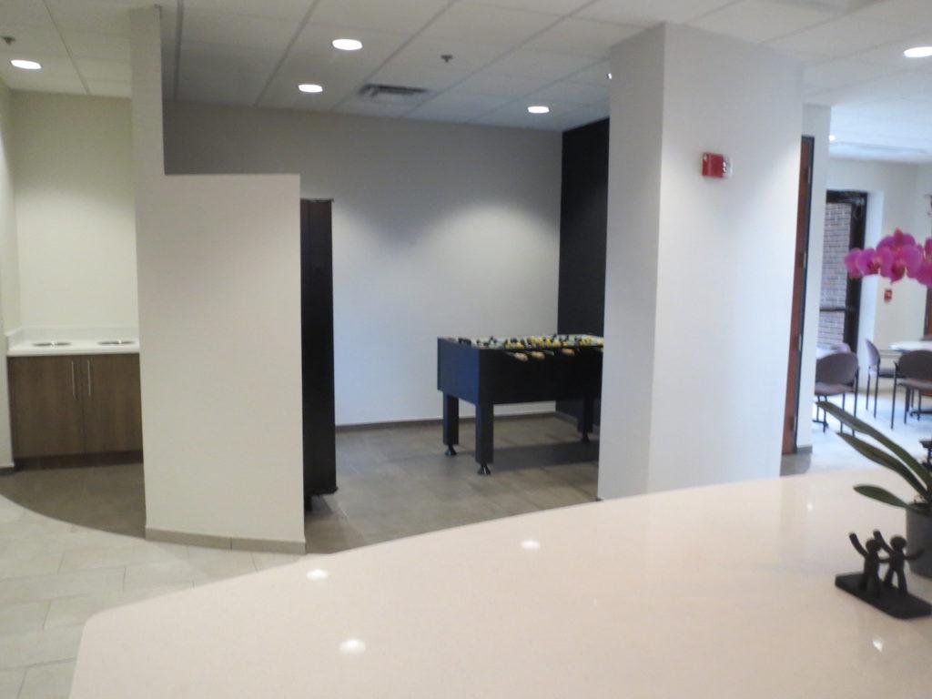 Continental Toilet & Breakroom (9)
